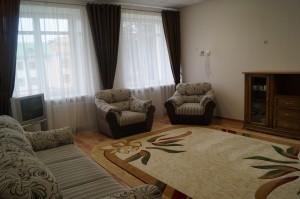 Индивидуальный и семейный отдых и лечение c проживанием в 3-комнатном 4-местном номере